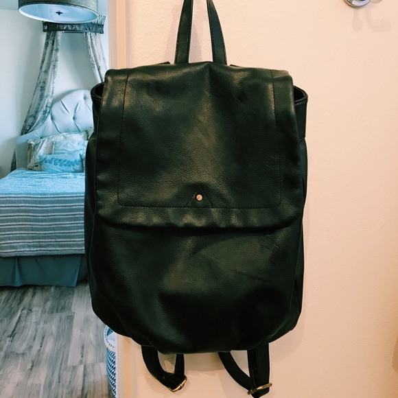 422dbcd24032 Black faux leather backpack. M 5a6b6a33077b9723756e4483